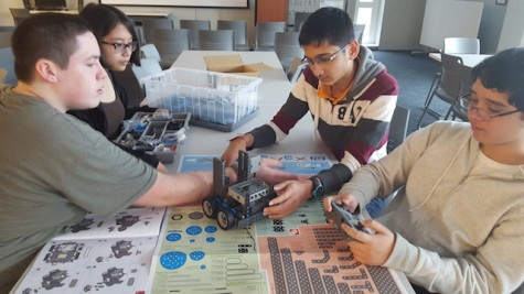 Becton Robotics Club programs interest in students