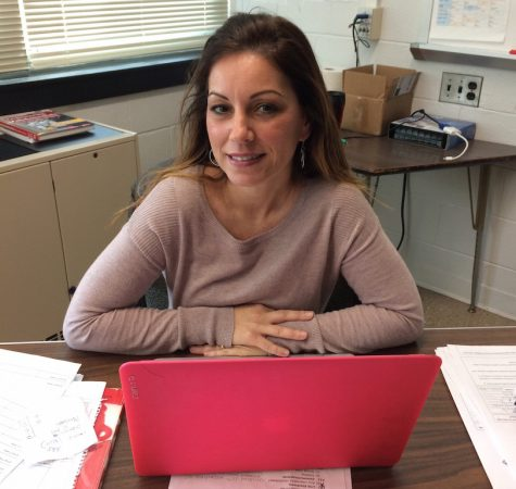 Mrs. Melchionne receives 2016-2017 Educational Service Professional Award