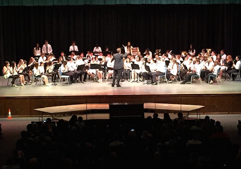 The+middle+school+and+high+school+bands+perform+together+for+the+Carlstadt+and+East+Rutherford+communities.