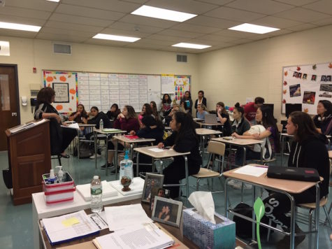 Ms. Lorise Mayer, LCSW, PsyA, a therapist in Bergen County, takes time to speak to the GHG Club about communication skills.