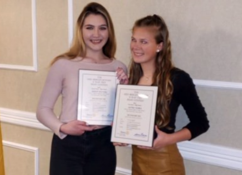 Juniors Nozka & Bolwell write top essays for Rotary Club Contest